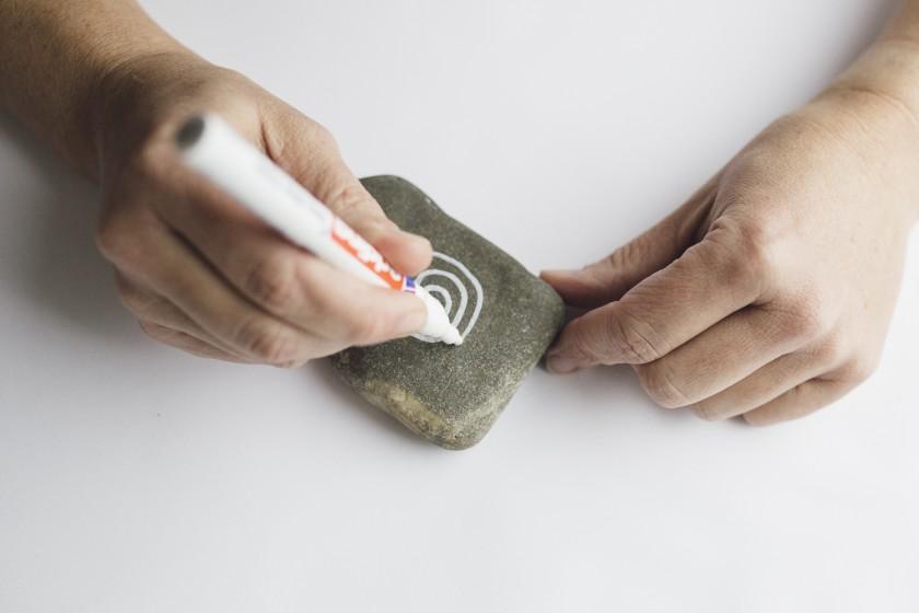 Heiraten im Boho-Stil - DIY bemalte Steine