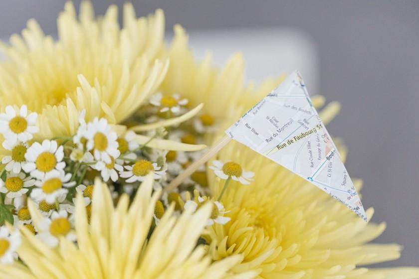 Blickfang : mit Blumen gefüllter Ballon und Wimpel - ein DIY