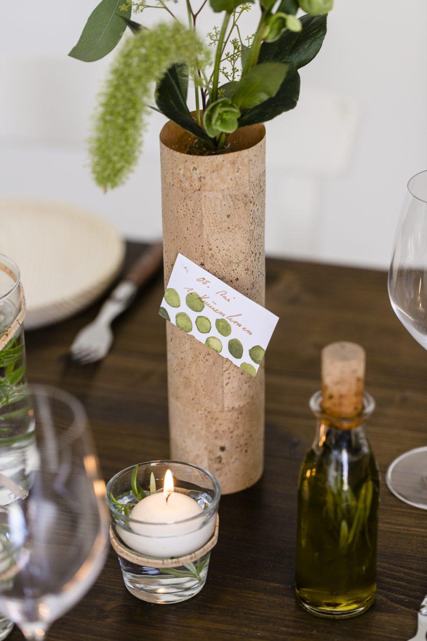 Kork und Kräuter - eine rustikale Hochzeitsdekoration