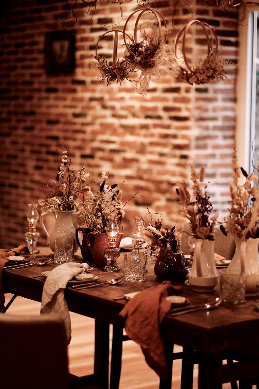 Hochzeitsdekoration-Hochzeitsfeier-Hochzeit im rustikalen Stil