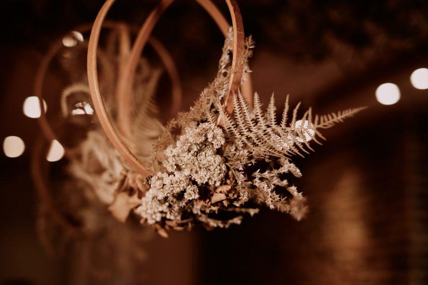 Hochzeit im rustikalen Stil-heiraten 2021-Herbsthochzeit