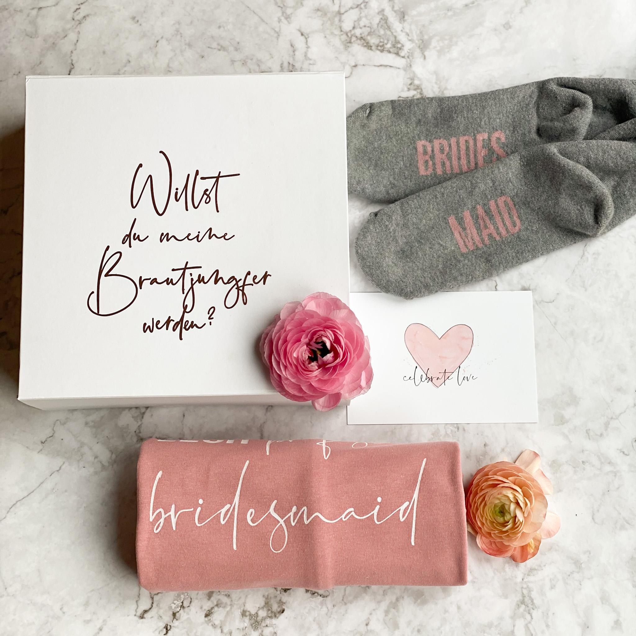 Geschenkbox Willst du meine Brautjungfer werden ? | Pyjama Shirt und Overknees