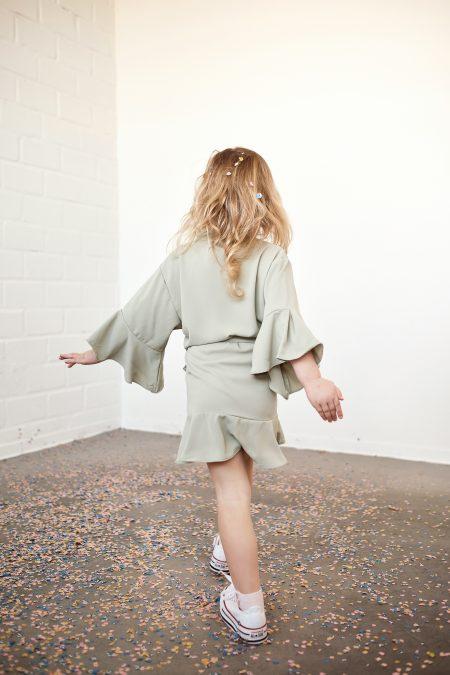 Kimono-Kinder-Salbeigrün-Getting ready